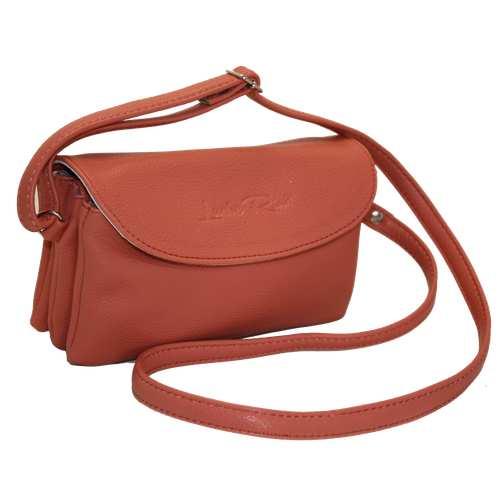 Жіноча сумочка зі шкірзамінника високої якості.