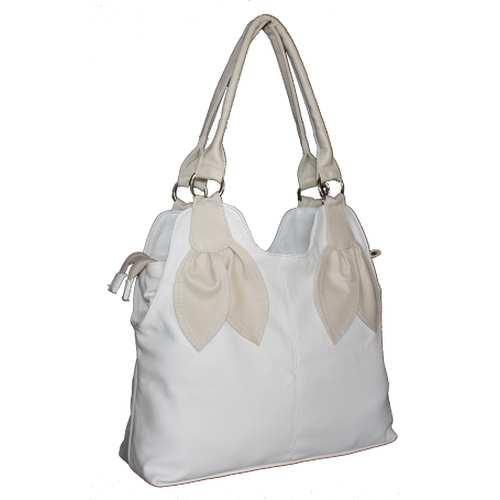 Жіноча сумка з шкірзамінника високої якості.