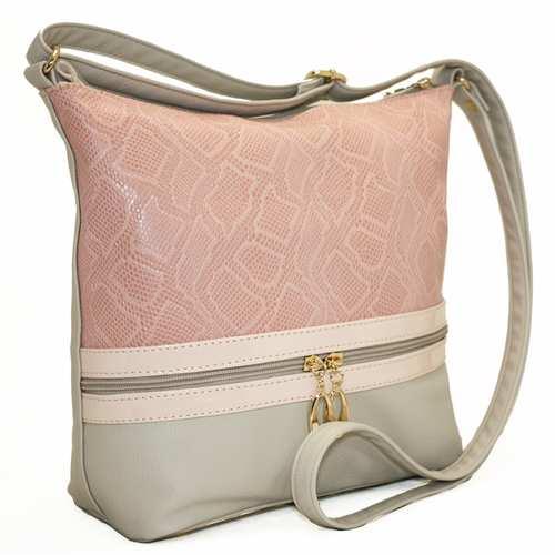 """Чудова практична сумка від українського виробника ТМ """"LucheRino"""" виготовлена з якісного шкірзамінника з рельєфним малюнком - пітон у поєднанні з лаковими вставками. Підкладка з цупкого текстилю. Сумка на одне відділення з трьома внутрішніми кишенями. Декорована горизонтальною блискавкою."""